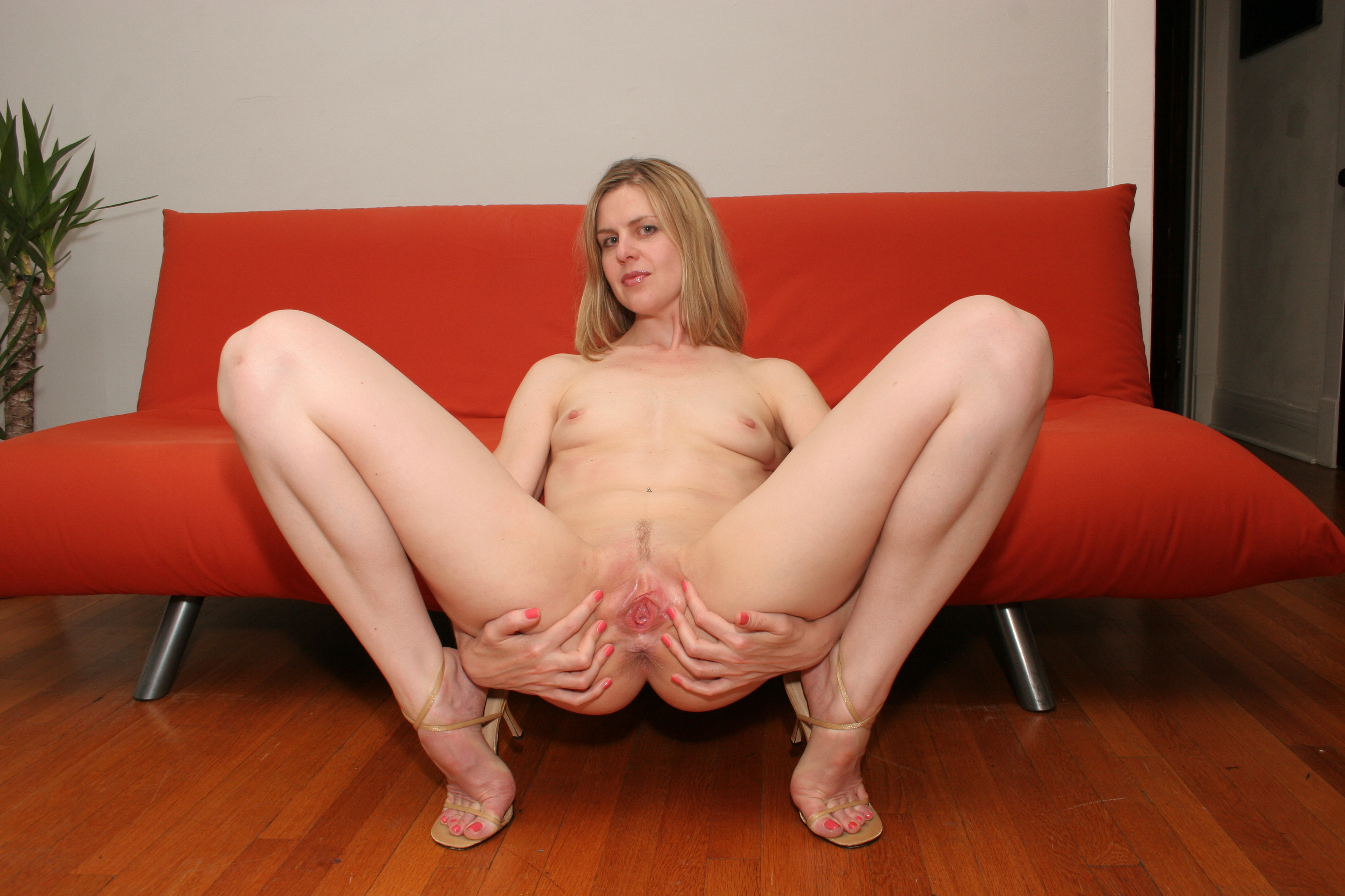 Baked mpg chastity lynn spreads her legs wide open amateur